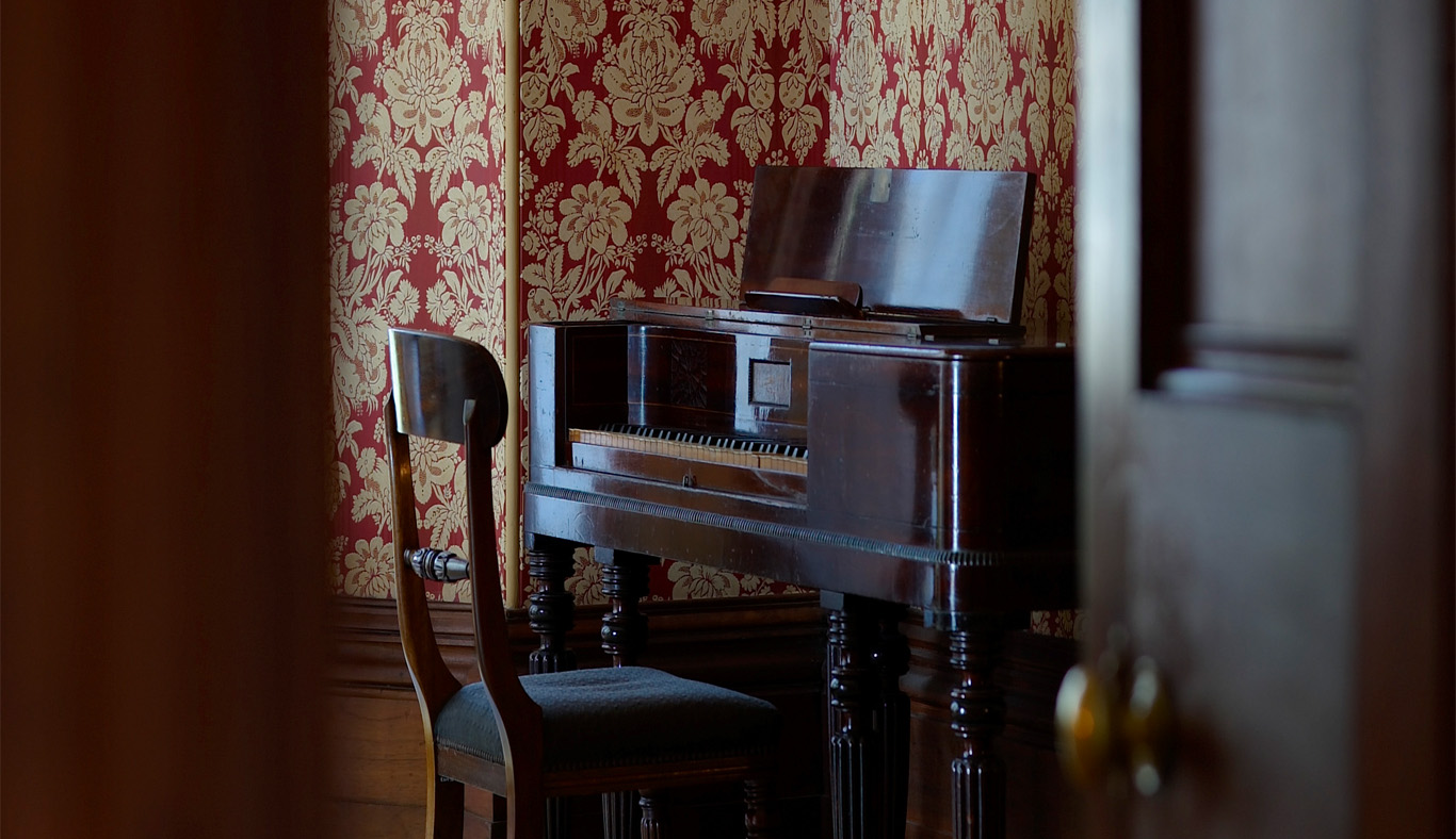 Piano in the breakfast room, Elizabeth Bay House