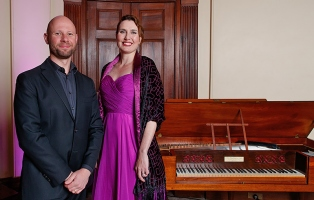 Pianist Thomas Johnson and soprano Jane Ede at the Bel Canto in the Bush recital