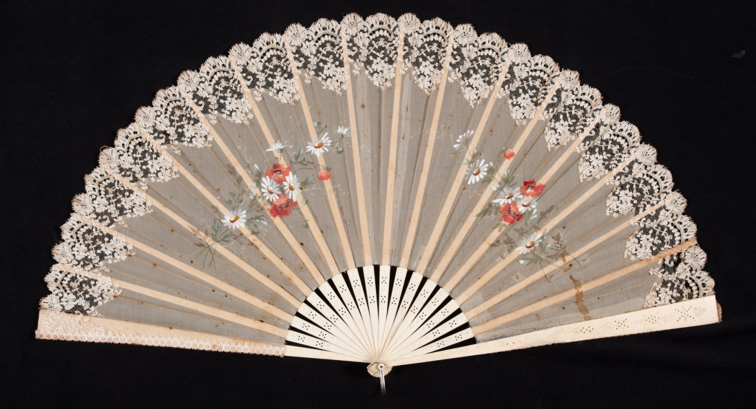 Pleated concertina fan. Lace and netting with painted decoration and ivory sticks. Late 19th century.