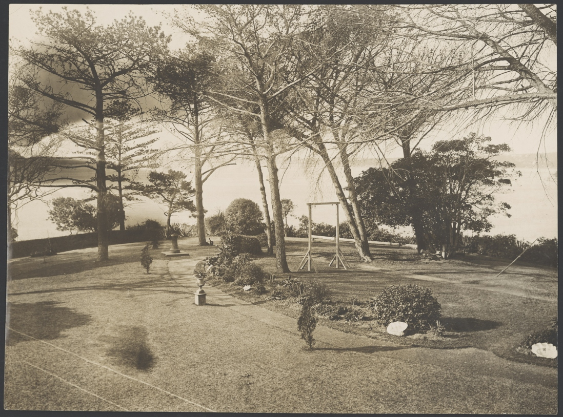 The grounds at Lindesay, Darling Point, 1914