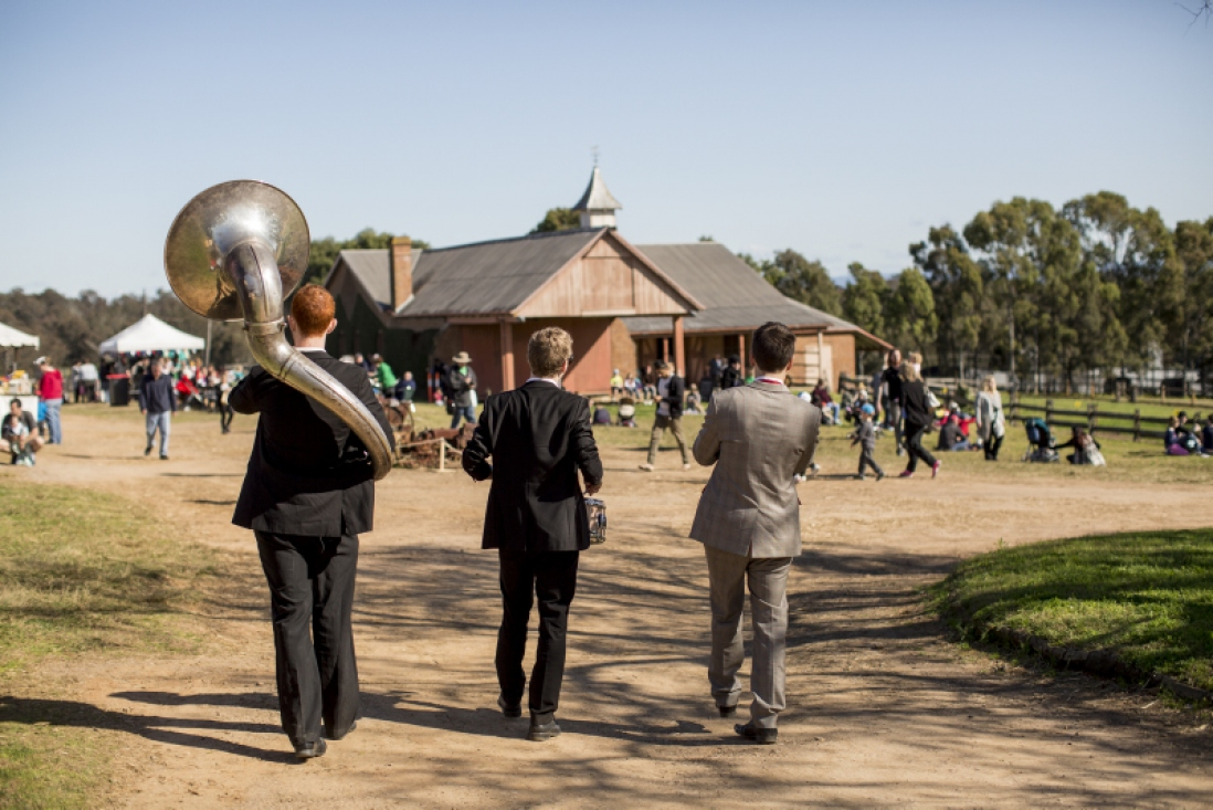 Roving three-piece band at Toy Festival
