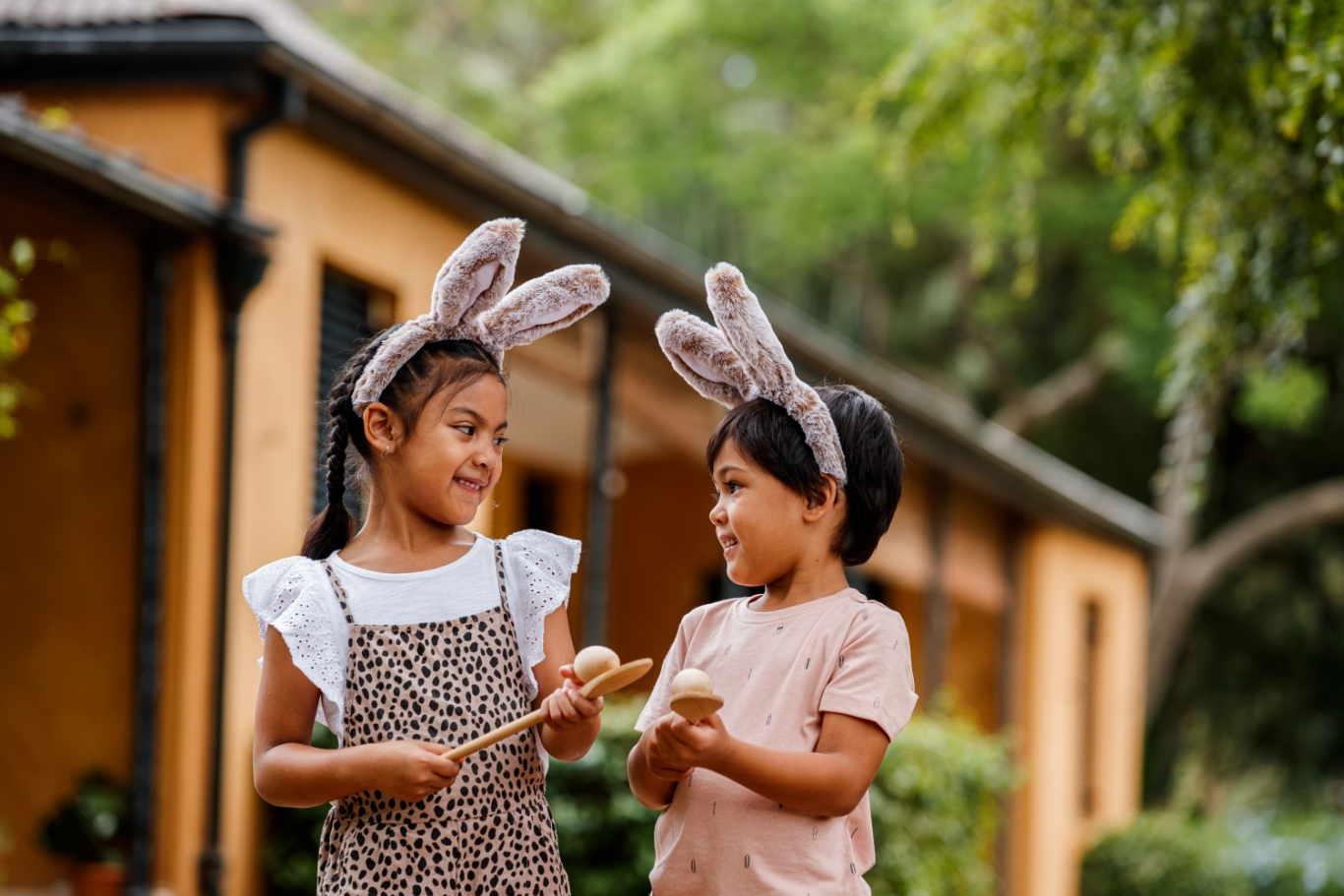 Children with egg and spoon at Elizabeth Farm.