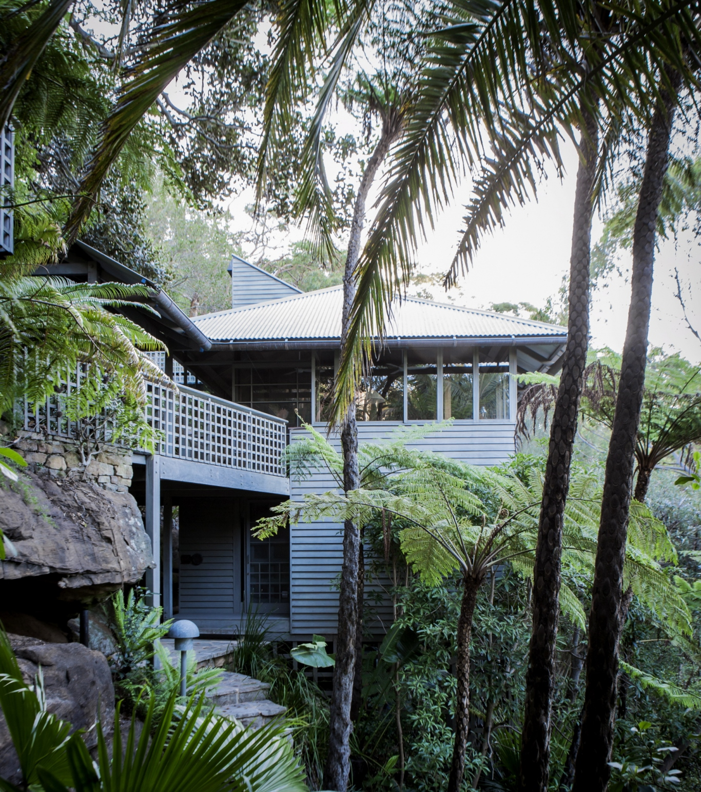 The palm beach house sydney living museums for Beach house designs sydney