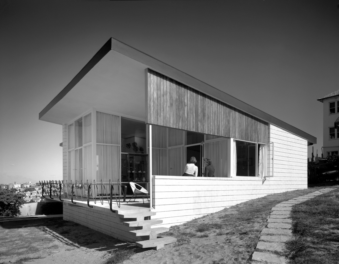 Black and white photo of exterior of Modernist house