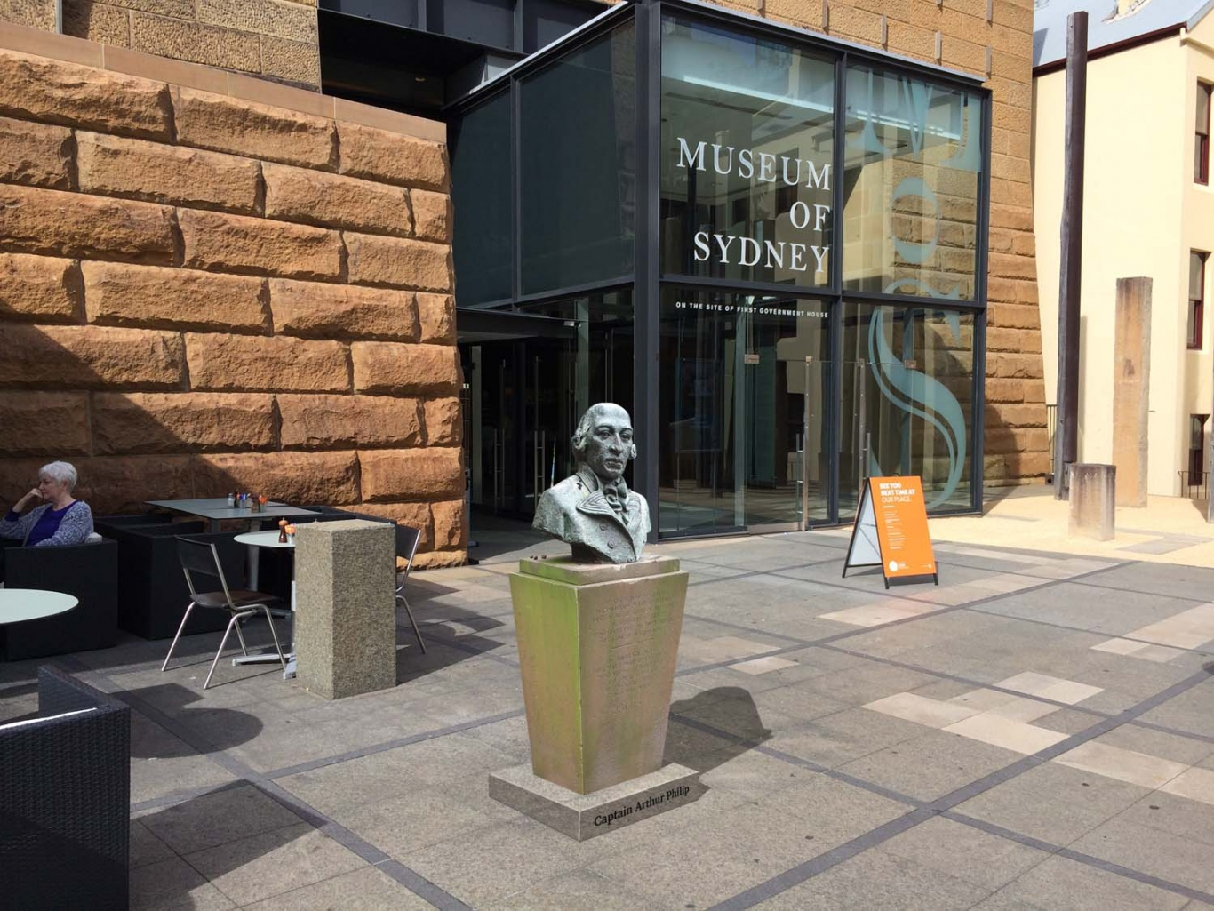 Computer generated image of bust in situ in Museum of Sydney courtyard.