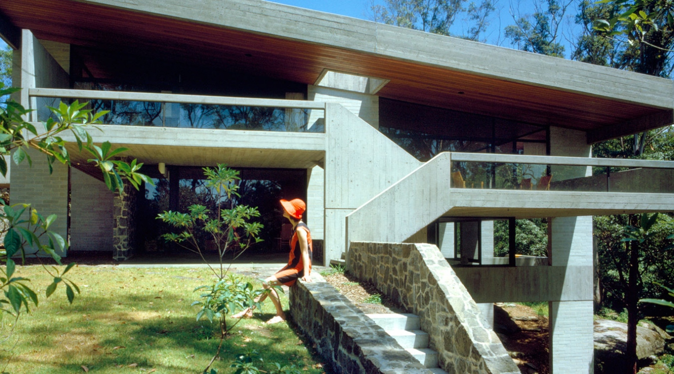 Penelope Seidler at the Killara house. Circa 1967