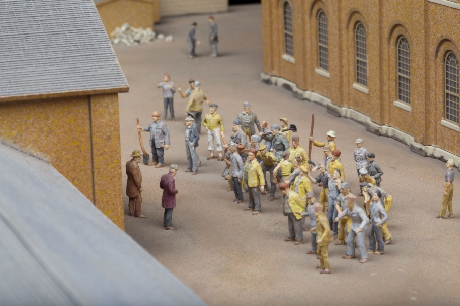 Model showing convicts in the courtyard of the barracks