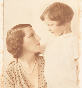 Studio portrait of Dora Sheller, previously Walford, nee Alexander, with her son Leslie Walford, around 1931 / Dayne Studios