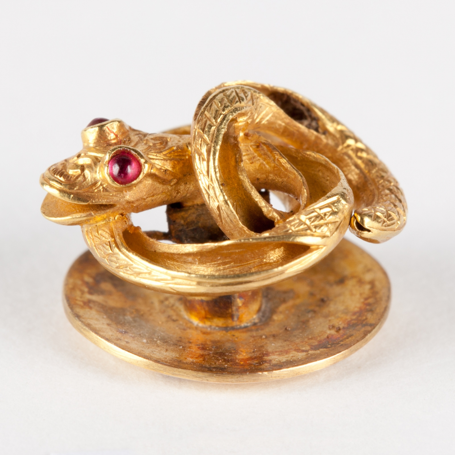 Gold shirt stud in the form of a coiled snake, circa 1839