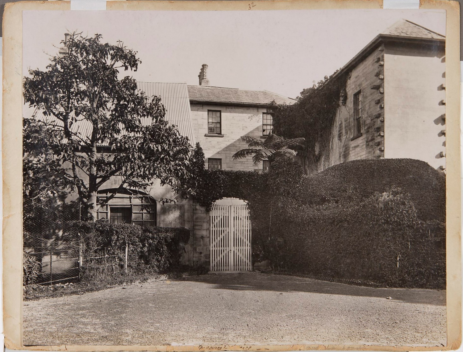 The gate into the courtyard behind Vaucluse House, June 1909 / New South Wales. Government Printing Office