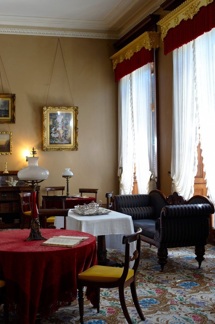 A Georgian room with period furniture and dressing