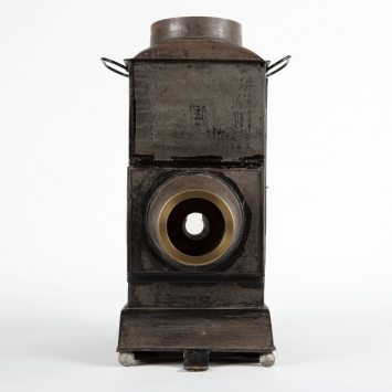 Front on view of magic lantern looking straight into lens.