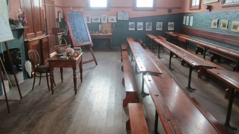Lessons live from the 1880s school house